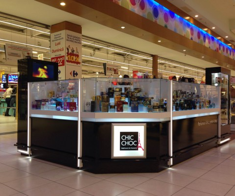 Amenajare Insula Parfumuri Carrefour Feeria Idecorate